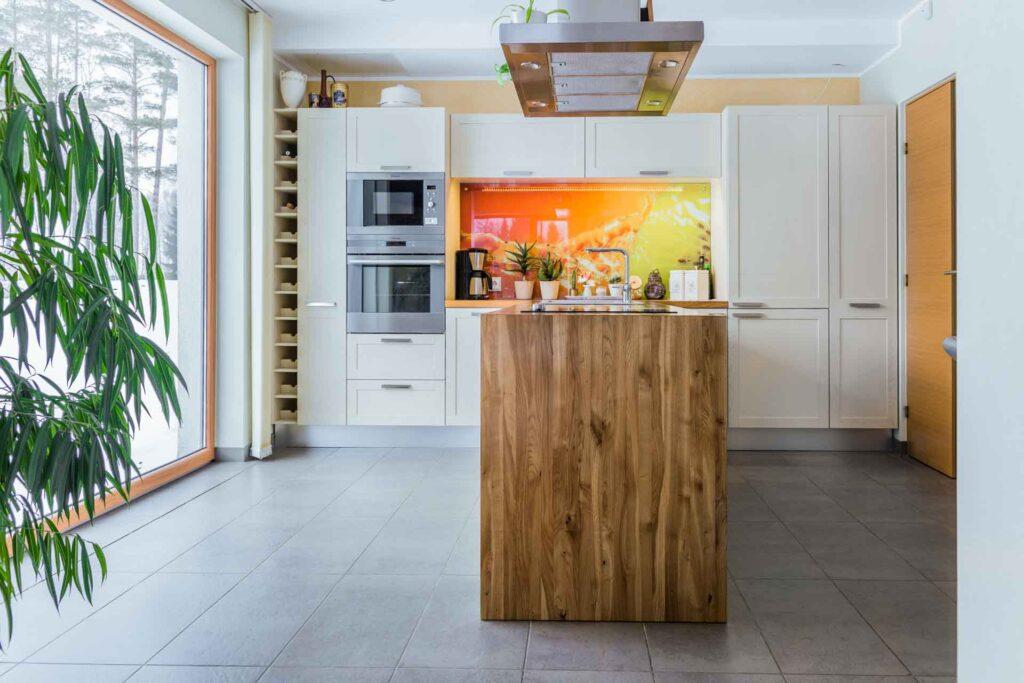 Valgustus köögis