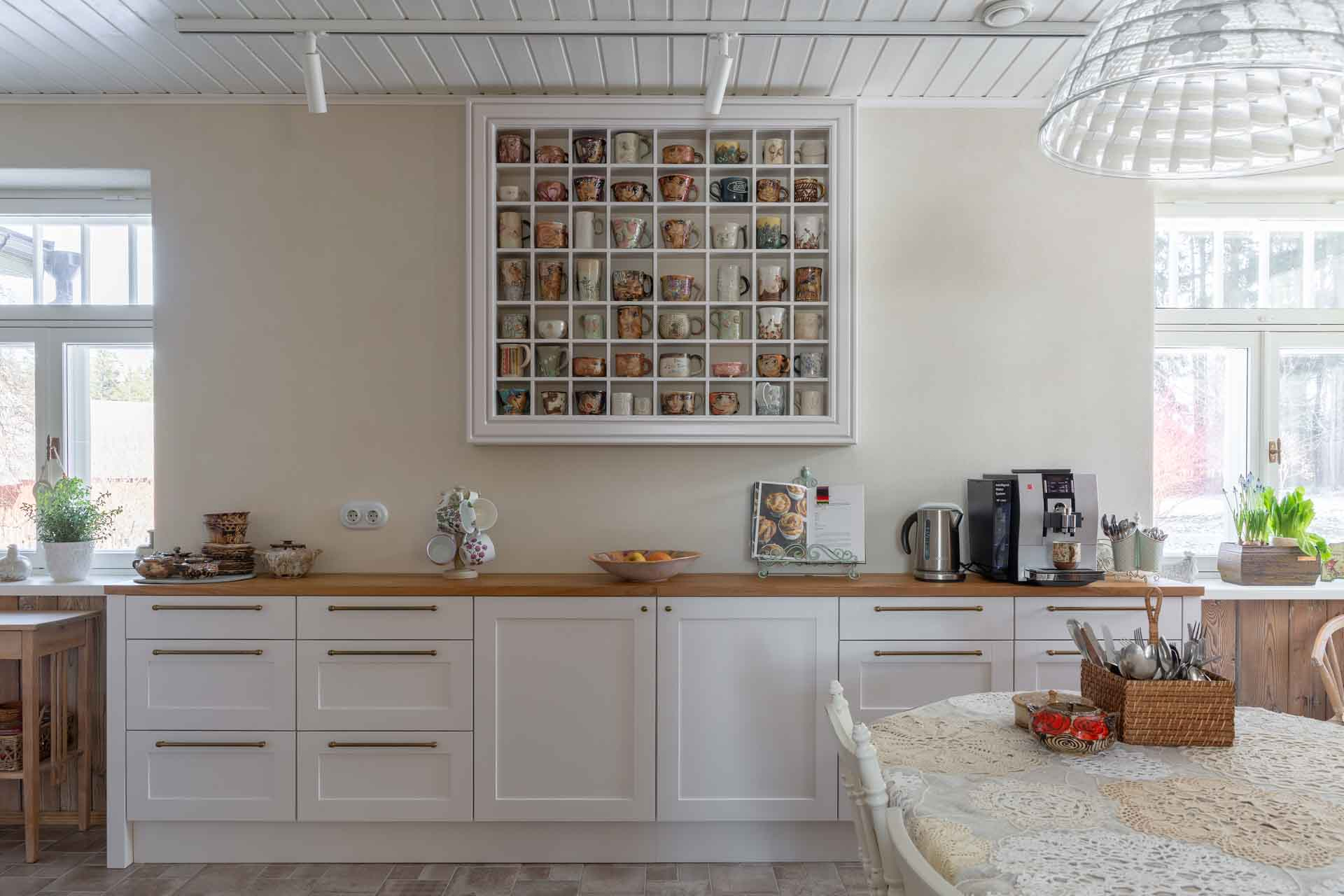 Kitchen shelf