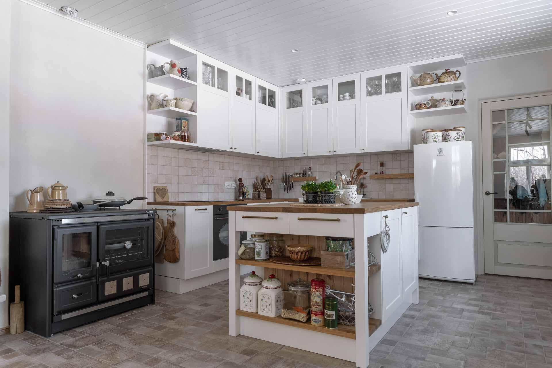 Mobile da cucina con isola