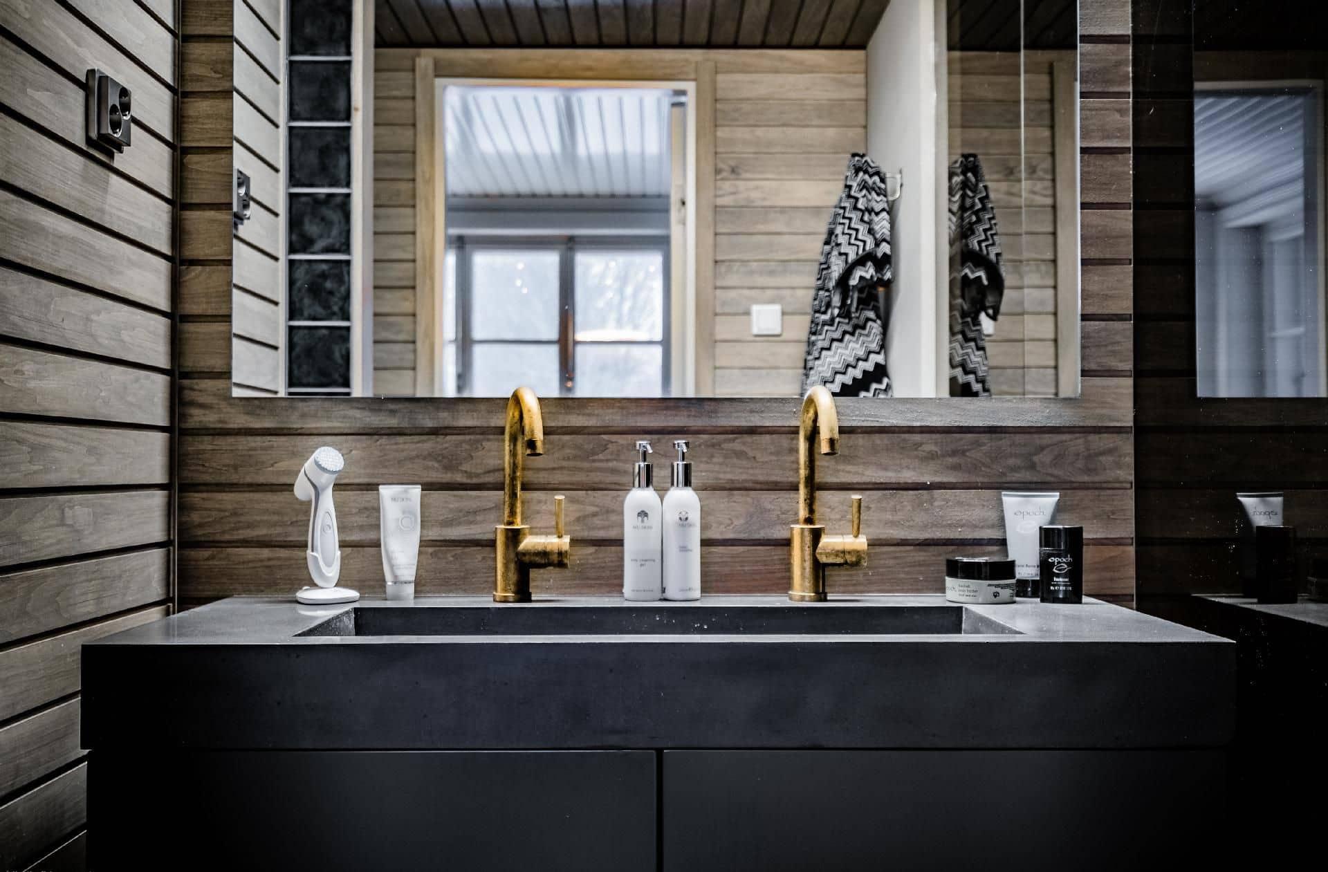 Mobiletto del lavandino del bagno